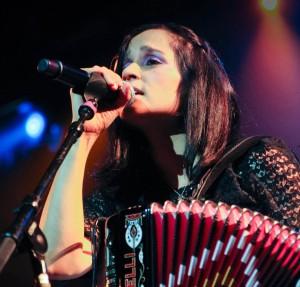 Este año la estrella musical de la Noche será Julieta Venegas